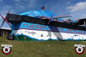 Maqueta de avión de la Fuerza Aérea Zapatista